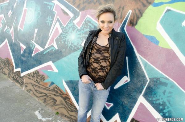 Nataly Von (Russian Beauty gets fucked in public / zj9809)