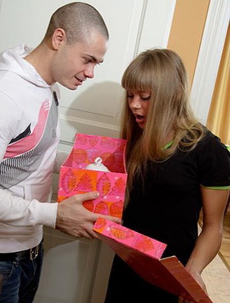 Отблагодарила за хороший подарок