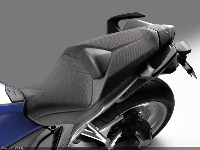 Спорттур Honda VFR1200F 2012 (полный фотосет)